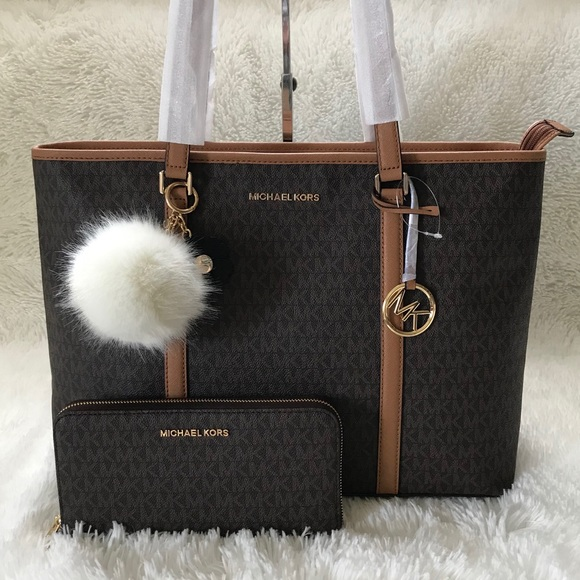 cb4ff10554331a ... Sady Lg Mf Tz Matching Wallet. M_5c6462207386bcf5be3c545e. Other Bags  you may like. Michael kors jet set tote